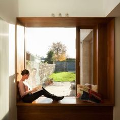 House extension by GKMP Architects includes a wooden window seat. Gorgeous picture window and window seat. Wooden Windows, Large Windows, Windows And Doors, Architecture Details, Interior Architecture, Interior And Exterior, Casa Loft, Window Benches, Window Seats