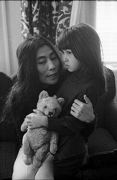 yoko ono and daughter kyoko