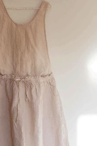 linen dress...friggin love linen!!!!!!!!1