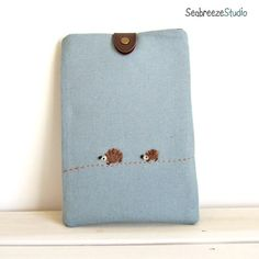 If I ever get an e-reader. This case is the one I'll use. Too freaking cute!