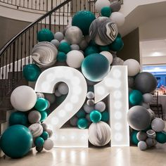 birthday decorations Now that's a statement entrance! 21st Bday Ideas, 21st Birthday Decorations, 18th Birthday Party, Birthday Surprise Ideas, 21st Birthday Themes, 21 Party, Festa Party, Balloon Garland, Balloon Decorations