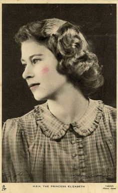 Postcard by unknown artist of the future Queen Elizabeth II (Elizabeth Alexandra Mary) Apr age UK. Queen And Prince Phillip, Prince And Princess, Prince Philip, Royal Queen, King Queen, High Society, Divas, Idda Van Munster, English Royal Family
