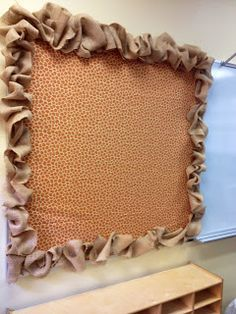 Always looking for interesting borders!! Burlap for the fall w yellow bb and pumpkins and fall leaves on border