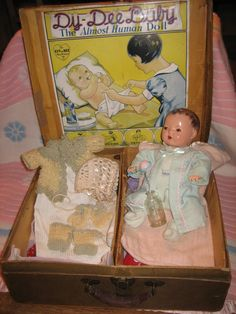 """RARE 13"""" DY-DEE BABY BY EFFANBEE IN HER ORIGINAL CASE, 1930'S #Effanbee #DollswithClothingAccessories"""
