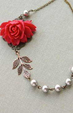rose necklace :: so pretty! I can imagine this with a white blouse, or a simple dress and it would be perfect!
