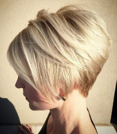 52 Sexy Long Bob Hairstyles You Should Try - Hairstyles Trends Blonde Pixie, Bob Hairstyles For Fine Hair, Short Hair Cuts For Women, Pixie Haircut, Great Hair, Caramel Blonde, Curly Hair Styles, Hair Beauty, Asymmetrical Pixie