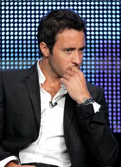 Alex O'Loughlin: gorgeous even when he just thinks