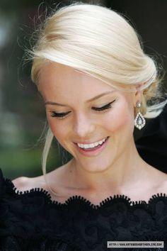 perfect nordic blonde