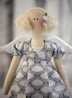 Lovely tildas!  Love the dress bodices. From: Lindas änglar