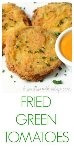 food Fried Green Tomatoes are a southern classic. These fried green tomatoes are lightly battered with cornmeal, buttermilk, and Cajun seasoning so the tangy tomatoes can really be the star. Vegetable Dishes, Vegetable Recipes, Vegetarian Recipes, Healthy Recipes, Delicious Recipes, Soul Food Recipes, Healthy Food, Korean Food Recipes, Southern Dishes
