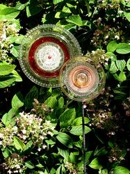 Duet in glass Glass Flowers, Creative People, Glass Collection, Yard Art, My Flower, Glass Art, Kiss, Arts And Crafts, Gardens