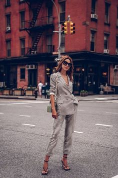The perfect plaid suit is here! It's a perfect outfit to transition from summer to fall. Paired it with strappy black leather sandals, black sunglasses, and a croc effect handbag. Out in NYC Business Outfits Women, Business Women, Preppy Outfits, Fashion Outfits, Work Outfits, Hipster Outfits, Spring Outfits, Viva Luxury, Plaid Suit