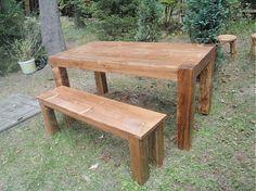 Jedálenský stôl z masívneho smreku+lavica