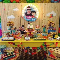 Que linda festinha com o tema que certamente o Miguel adoraria pro seu aniver de 1 ano. Baby Boy Birthday, 2nd Birthday, Birthday Parties, Snoopy Party, Baby Shark, Invitation Cards, Party Time, Hello Kitty, Birthdays