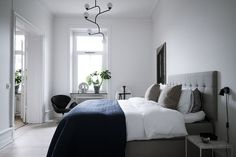 Home Interior Hamptons Fresh and minimalist home - via Coco Lapine Design.Home Interior Hamptons Fresh and minimalist home - via Coco Lapine Design Home Bedroom, Modern Bedroom, Bedroom Decor, Bedroom Ideas, Bedroom Signs, Bedroom Rustic, Master Bedrooms, Bedroom Apartment, Apartment Therapy