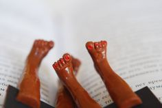 Bare feet book marks - fabulous!