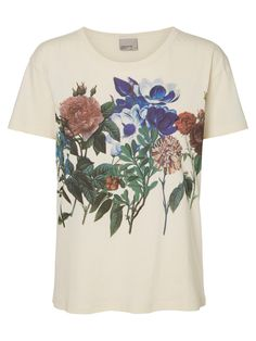 T-shirt from VERO MODA with flowers printed on.
