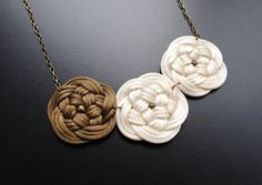 Elegant knotted flowers necklace in cream white by elfinadesign