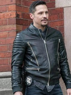Nick Wechsler TV Series Chicago PD Biker Jacket is the style every biking obsessed person needs for a perfect style statement. Classic Leather Jacket, Green Leather Jackets, Black Leather Biker Jacket, Brown Leather, Famous Models, Famous Men, Famous Celebrities, Nick Wechsler, Chicago Pd