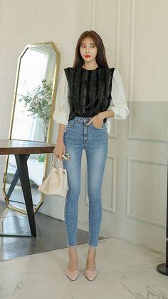 Korean Fashion Teen, Korean Fashion Summer Casual, Korean Fashion Ulzzang, Korean Street Fashion, Winter Fashion Outfits, Skinny Fashion, Denim Fashion, Fashion Women, Fashion Shoes