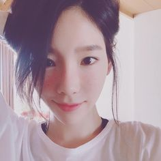 See the latests photos from SNSD's lovely TaeYeon!