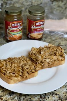 Easy Open Faced Turkey Sandwich – Homestyle Hunny Easy Open Faced Turkey Sandwich with gravy. This turkey dinner with hot gravy is one of the best 10 minute meals. Only 3 ingredients needed! Tuna Macaroni Salad, Classic Macaroni Salad, Yummy Coleslaw Recipe, Recipe For Kentucky Fried Chicken, Appetizer Recipes, Pasta Recipes, Appetizers, Carnival Food, Turkey Sandwiches