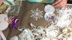 🎄🌲🎄 Christmas Ornament Tutorial 🎄🌲🎄 Shabby Chic Christmas Ornaments, Do Your Own Thing, Ornament Tutorial, Printing On Fabric, Give It To Me, Make It Yourself, Crafts, Manualidades, Fabric Printing