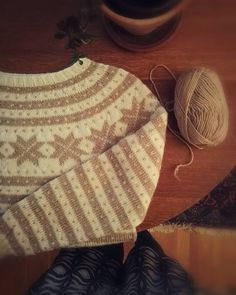 This week is all about finishing unfinished projects🐏. This Fana sweater have been laying around for months! I sew in the last thread yesterday. I have two more unfinished projects to go, and then they all will be listed in my Etsy shop☕❤ _ #fanagenser #norwegiansweater #peergyntgarn #sandnesgarn #strikkedilla #strikkegenser #strikke #strikking #ullergull #knitting #knittinginspiration #knitters #knittingofinstagram#knittersoftheworld #knittersofinstragram #instaknit #strandedknit… Knitted Hats, My Etsy Shop, Sweater, Knitting, Sewing, Projects, Instagram, Knit Hats, Sweater Cardigan