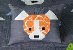 http://sewfreshquilts.blogspot.com/2015/09/dog-gone-cute-zippered-pillows.html