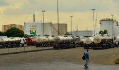 Federação dos Petroleiros prepara greve por tempo indeterminado contra privatização da Petrobras