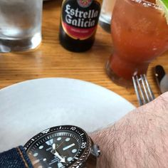 REPOST!!!  Sundays are for brunch and weekender watches.  Eats and Drinks Michelada. @estrellagalicia  ____________________________________________________ #watches #watchesofinstagram #wristshot #wristy #wristgram #instawatch #watchporn #watchnerd #watchonmywrist #redbarchi #WIS #watchaholic #wristporn #watchaddict #watchguy #wristcandy #horology #timepiece #wristpiece #TBWS #hodinkee #analogshift #wornandwound #tickerandoak #jamesbeard #avec #chocagoscene @eater_chicago #brunch…