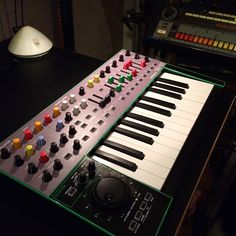 Roland System-1 colored caps mod ~ easily recognized