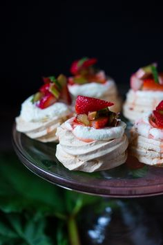 Mini Pavlova Recipe with strawberries, rhubarb and meyer lemon whipped cream! A light and airy dessert idea perfect for celebrations and gatherings. Strawberry Rhubarb Recipes, Strawberry Vinegar, Strawberry Fields, Just Desserts, Delicious Desserts, Dessert Recipes, Creative Desserts, Mini Desserts, Sweet Desserts
