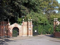 The Pleasaunce, Overstrand, Norfolk - drive gates - E.L. Lutyens