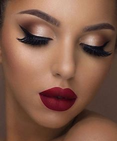 Holiday makeup looks; promo makeup looks; wedding makeup looks; makeup looks for… Holiday makeup looks; promo makeup looks; wedding makeup looks; makeup looks for brown eyes; glam makeup looks. Party Makeup Looks, Makeup Eye Looks, Glam Makeup Look, Makeup Style, Glamour Makeup, Red Lips Makeup Look, Makeup Looks For Prom, Birthday Makeup Looks, Simple Makeup Looks