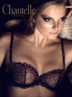 Chantelle Icone in Firecracker- wow!