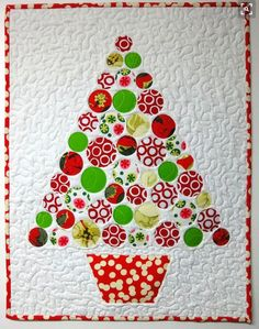 It takes only one die to cut ALL the circles on this Christmas Tree Quilt! Make…