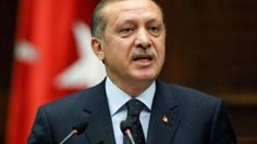 """O acceso á Rede en Turquía é restrinxido e hai milleiros de sites bloqueados. A nova lei, aprobada en 2014 outorga á autoridade de telecomunicacións o poder de bloquear unha web se considera que o seu contido é ofensivo ou inapropiado. O primeiro ministro turco, Recep Tayyip Erdogan, dixo que esta normativa """"salvará ás novas xeracións dos danos potenciais"""" da Rede."""