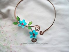 Wire copper necklace with nail polish flowers by semeistvoadams.blogspot.com
