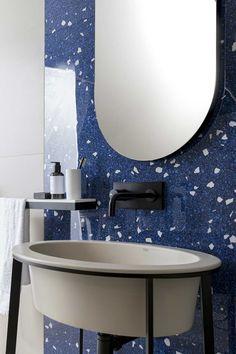 Artwork - Fliesen in Terrazzo-Optik Terrazzo, Wall And Floor Tiles, Wall Tiles, Toilette Design, Restroom Design, Adobe House, Bathroom Styling, Porcelain Tile, Memphis