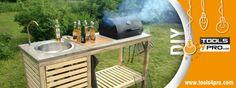 Cocina de jardín con un taladro atornillador Stanley FatmaxFMC608C2K