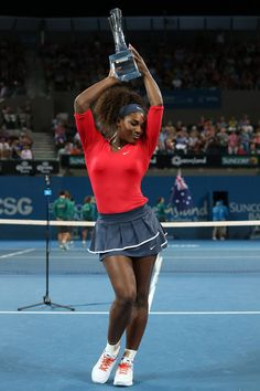 Serena poses with the Yvonne Goolagong Winners Trophy at a portrait session after beating Anastasia Pavlyuchenkova to win the Women's Final during the Brisbane International Tournament… Serena Williams Photos, Serena Williams Tennis, Venus And Serena Williams, Beautiful Black Women, Amazing Women, Serena Tennis, Court Outfit, Poses, Dope Swag Outfits