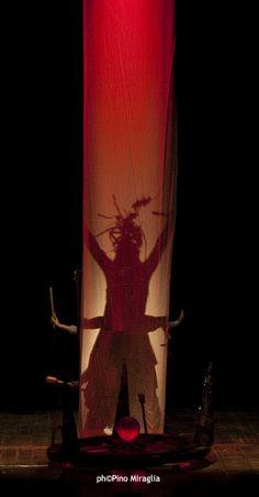 I Teatrini - E cadde addormentata con Adele Amato de Serpis, Valeria Luchetti, Melania Balsamo regia Giovanna Facciolo foto Pino Miraglia