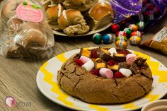 Hot Salted Caramel Chocolate Easter Cob Loaf with Hot Cross Bun Dippers is a rich and decadent dessert cob loaf that will impress the fussiest dessert lover. Perfect for EASTER!