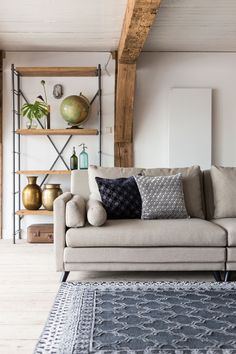 Sierkussen Dean van Dutchbone #livingroom #pillows #interiordecor