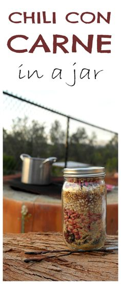 Con Carne in a Jar Manly Meal in a Jar: Chili Con Carne!Manly Meal in a Jar: Chili Con Carne! Make Ahead Meals, Freezer Meals, Freezer Recipes, Jar Gifts, Food Gifts, Mason Jar Mixes, Mason Jars, Pots, Canning Recipes