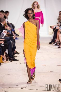 Diane von Furstenberg Spring-summer 2016 - Ready-to-Wear Spring Summer 2016, Diane Von Furstenberg, Ready To Wear, Runway, Sari, Formal Dresses, Photos, How To Wear, Collection
