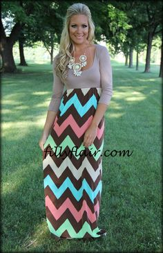 I need this maxi in my life. Gorgeous dress.