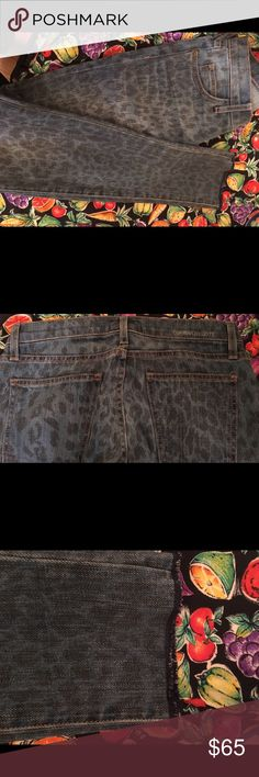 Current/Elliot Leopard Print Jeans SZ 24 Current/Elliot Leopard Print Skinny Jeans SZ 24 Distressed Hem Like New pre owned condition Current/Elliott Jeans Skinny