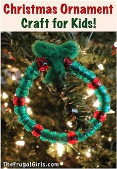 Here's a sweet and simple Easy Christmas Ornament Craft for Kids that's super-easy for even little kids, and will come together in a snap!